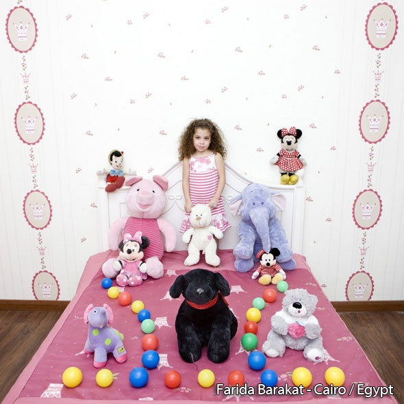 2-Gabriele-Galimberti-Kids-Enfants-Toy-Stories-Photos.jpg