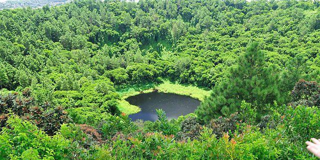 4-trou-aux-cerfs-mauritius-crater (2).jpg