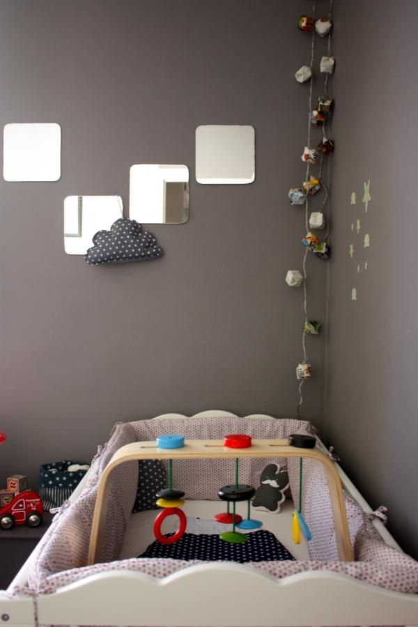 une chambre pour deux part 1 toupie. Black Bedroom Furniture Sets. Home Design Ideas