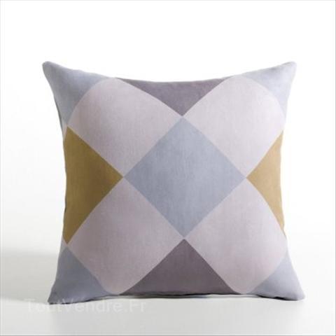 Housse-de-coussin-carrée-suédine-motifs-losanges-pur-coton_65103236L.jpg